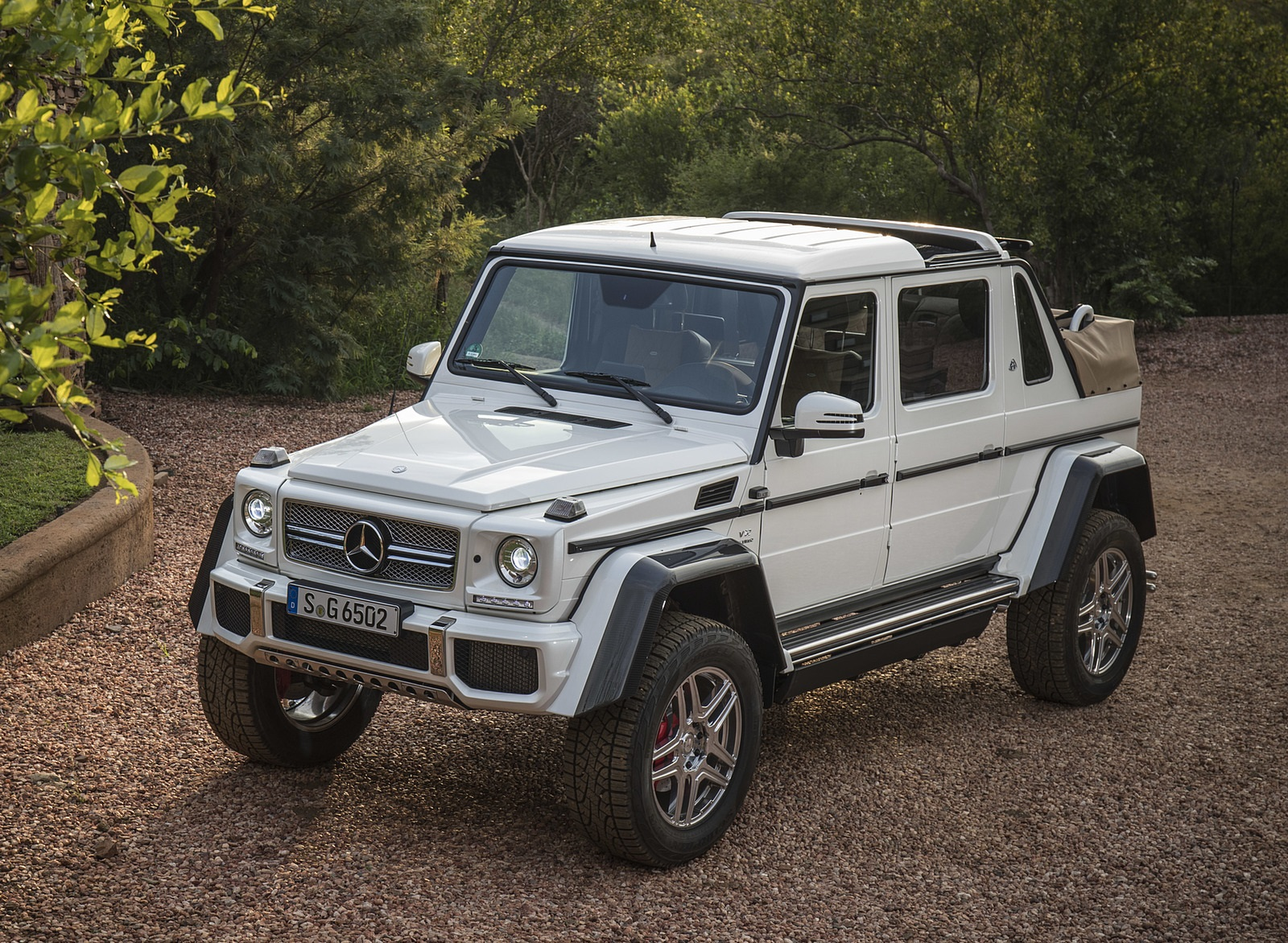 2018 mercedes maybach g 650 landaule for Mercedes benz g class parts